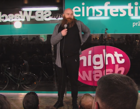 "Virales Video ""Johnny Armstrong als Stand-Up Comedian bei NightWash"""