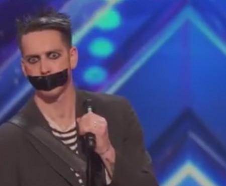 "Virales Video ""Face Tape Boy"""
