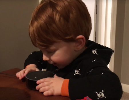 "Virales Video ""Amazon Alexa Gone Wild With a Young Child"""