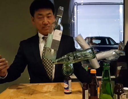 """Virales Video """"Flaschen balancieren als Partyskill"""""""