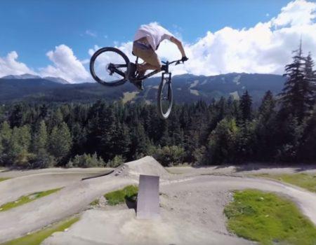 """360° Video """"Mountain-Bike-Park in Kanada auf ein paar Stunts mit dem Fahrrad"""""""