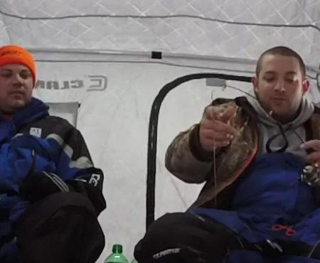 """Virales Video """"Beim Eisfischen in Alaska mal eine Sekunde nicht aufgepasst"""""""