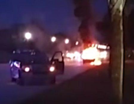 """Virales Video """"Samsung Galaxy Note 7 Phablet explodiert und entfachte Feuer in diesem Pick-Up"""""""