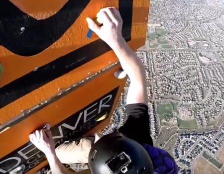 """Virales Video """"Klettern auf einer Kletterwand in 4.000 Metern Höhe mithilfe eines Heißluftballons und einem Fallschirm"""""""