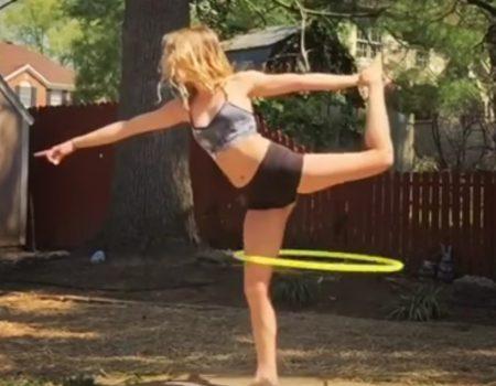 """Virales Video """"Mädchen begeistert Netzgemeinde mit routinierten Hula-Hoop-Übungen im Garten"""""""