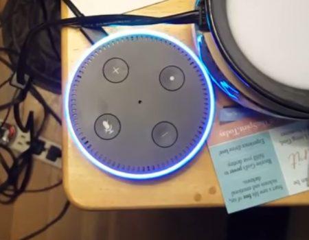 """Virales Video """"Ist Alexa von Amazon mit der CIA verbunden und spioniert uns tagtäglich aus?"""""""