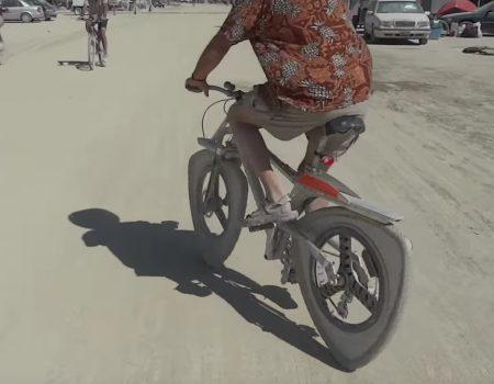 """Virales Video """"Erfinder des Triangle Bikes pfeift auf Patente und macht sein eigenes Ding"""""""