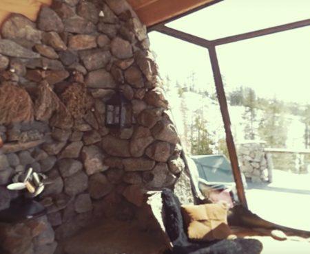 """360° Video """"Leben in einer kleinen wunderschönen Snowboarder-Hütte in Area 241"""""""