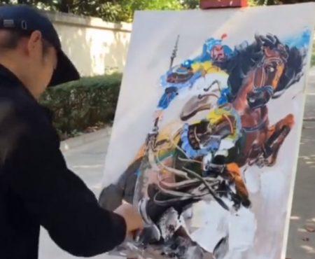 """Virales Video """"Chinesischer Straßenkünstler verwendet Schaber und Spalter für das Erstellen seiner einzigartigen Kunstwerke aus Öl"""""""