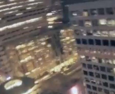 """Virales Video """"Ein illegales Base-Jumping auf amerikanischem Boden endet mit einem netten High-Five auf einem Parkhaus"""""""